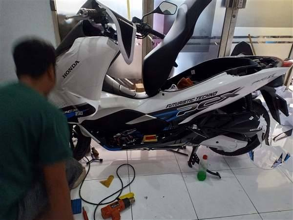 Decal PCX Putih fullbody Printing